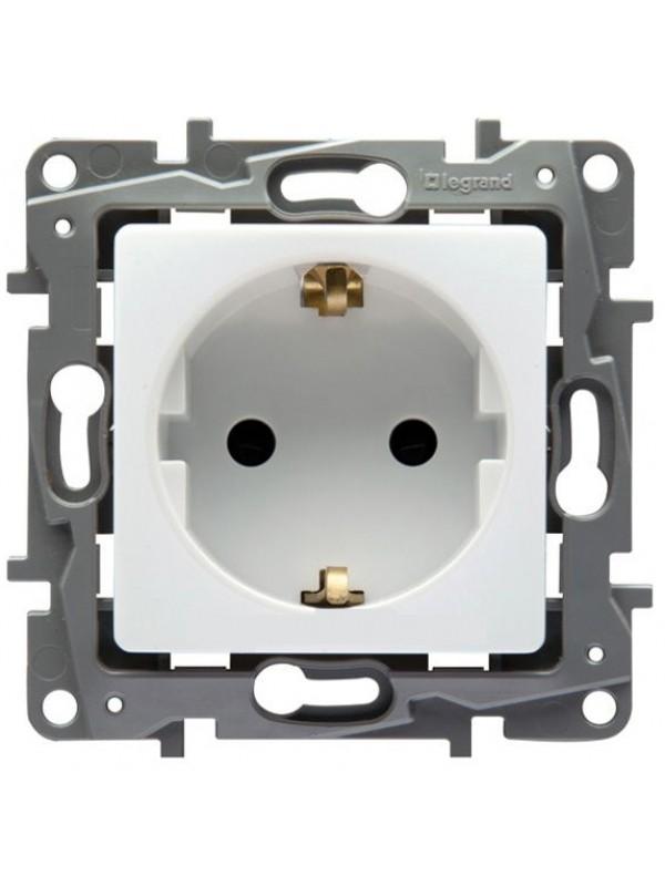 Розетка электрическая Etika (Legrand 672221)