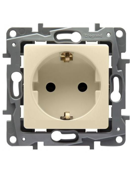 Розетка электрическая Etika (Legrand 672321)