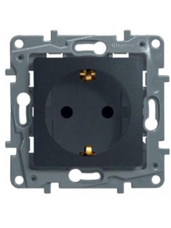 Розетка электрическая с заземлением и шторками (Legrand 672631)
